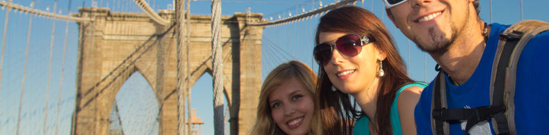 Sprachreise nach New York - Studenten auf der Brooklyn Bridge