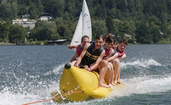 Club Kitzsteinhorn in Zell am See - Action und Fun mit dem Banana-Boat